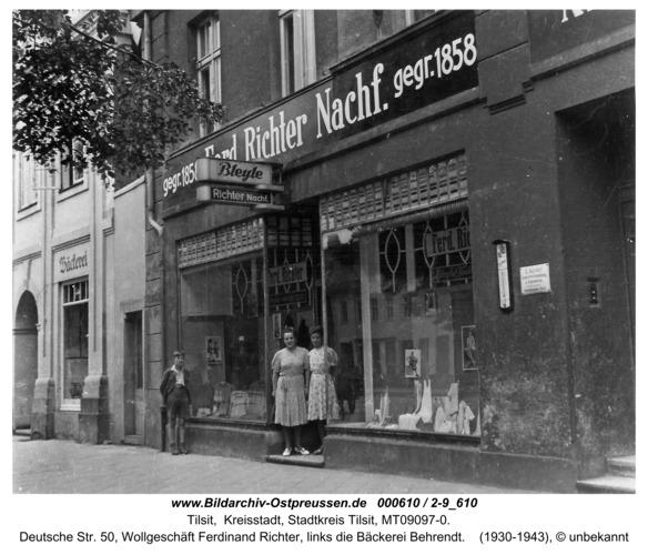 Tilsit, Deutsche Str. 50, Wollgeschäft Ferdinand Richter, links die Bäckerei Behrendt