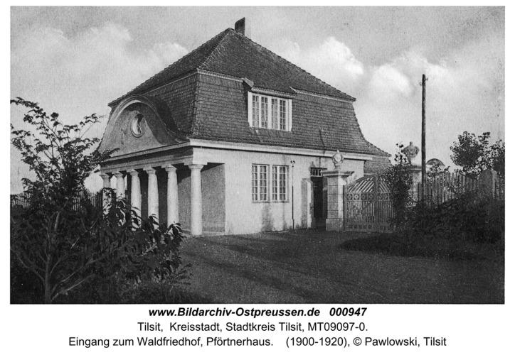 Tilsit, Eingang zum Waldfriedhof, Pförtnerhaus