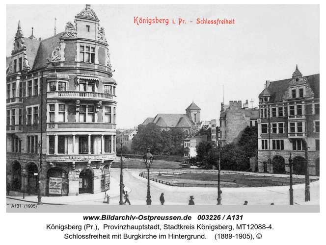 Königsberg, Schlossfreiheit mit Burgkirche im Hintergrund