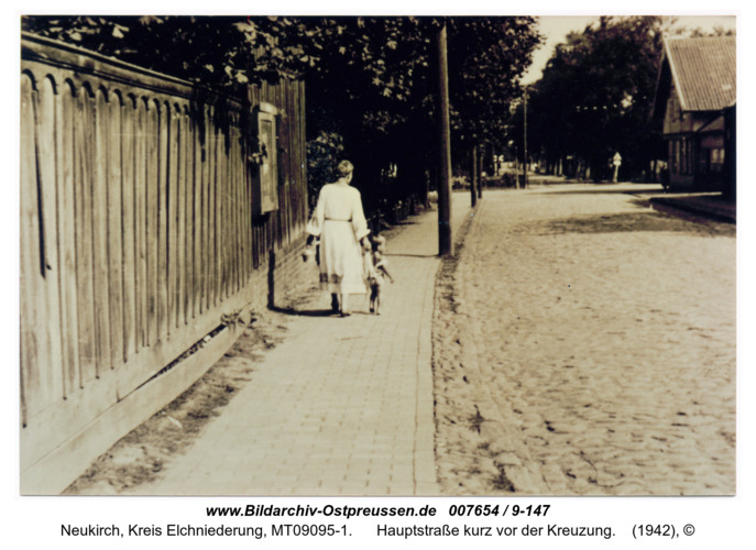Neukirch 83, Hauptstraße kurz vor der Kreuzung