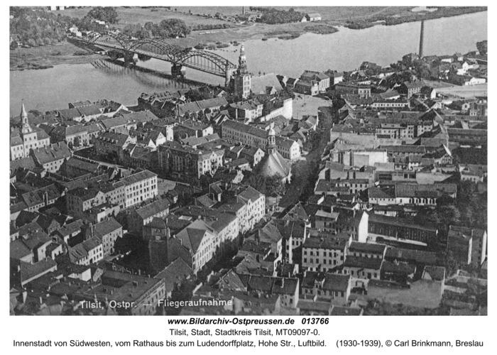 Tilsit, Innenstadt von Südwesten, vom Rathaus bis zum Ludendorffplatz, Hohe Str., Luftbild