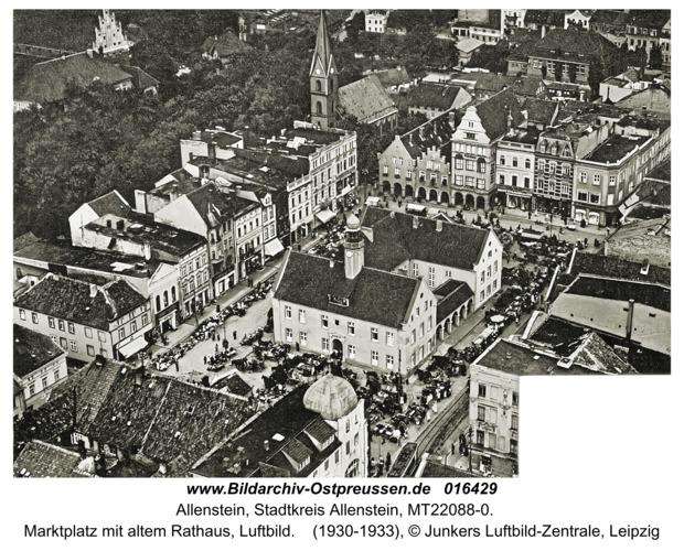 Allenstein, Marktplatz mit altem Rathaus, Luftbild