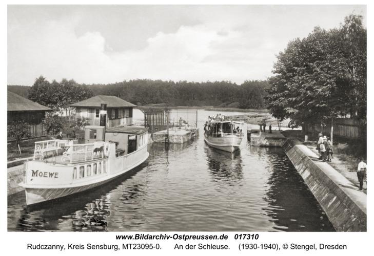 Niedersee ( fr. Rudczanny), An der Schleuse