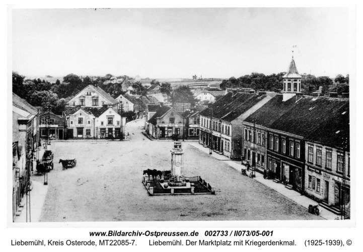 Liebemühl. Der Marktplatz mit Kriegerdenkmal