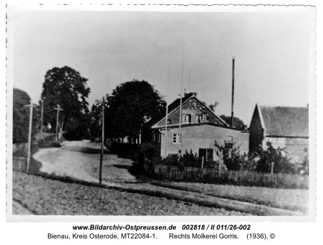 Bienau. Links Nadolny, rechts Molkerei Gorris