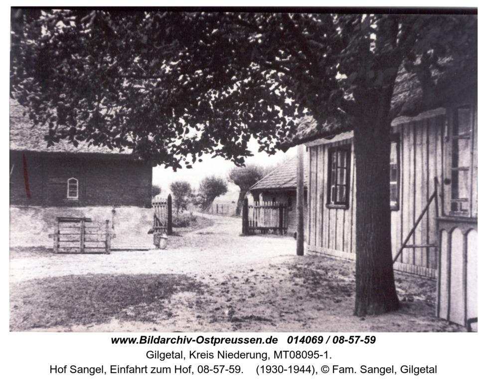 Gilgetal 59, Hof Sangel, Einfahrt zum Hof, 08-57-59