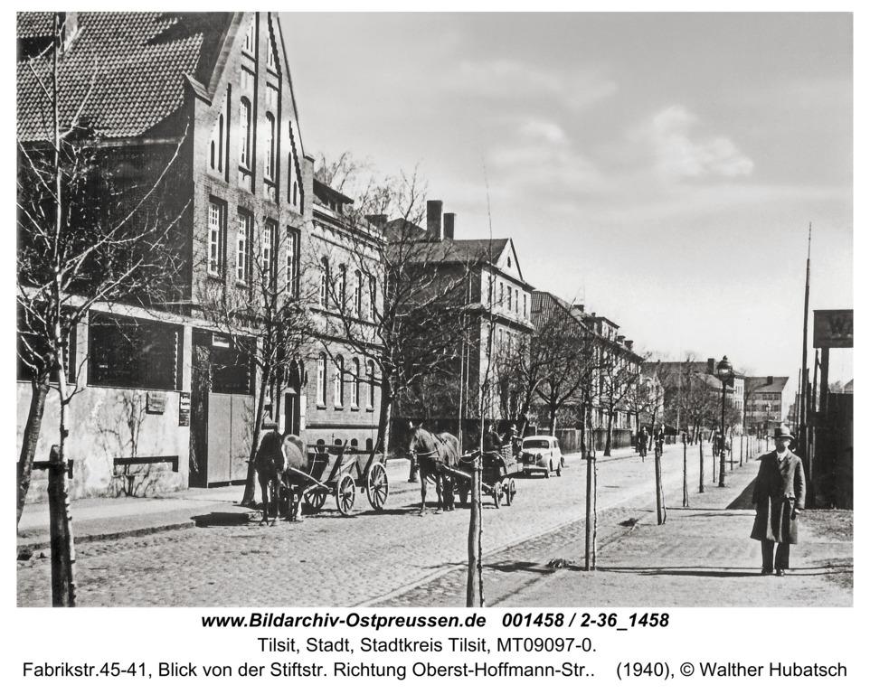 Tilsit, Fabrikstr.45-41, Blick von der Stiftstr. Richtung Oberst-Hoffmann-Str.