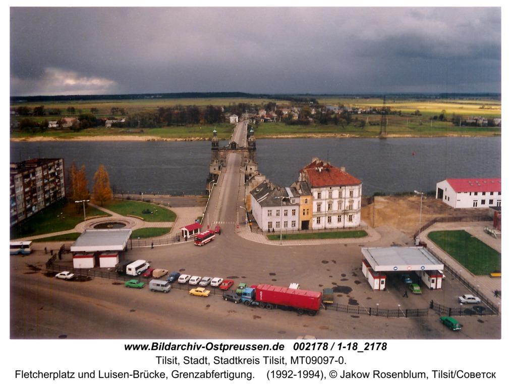 Tilsit, Fletcherplatz und Luisen-Brücke, Grenzabfertigung
