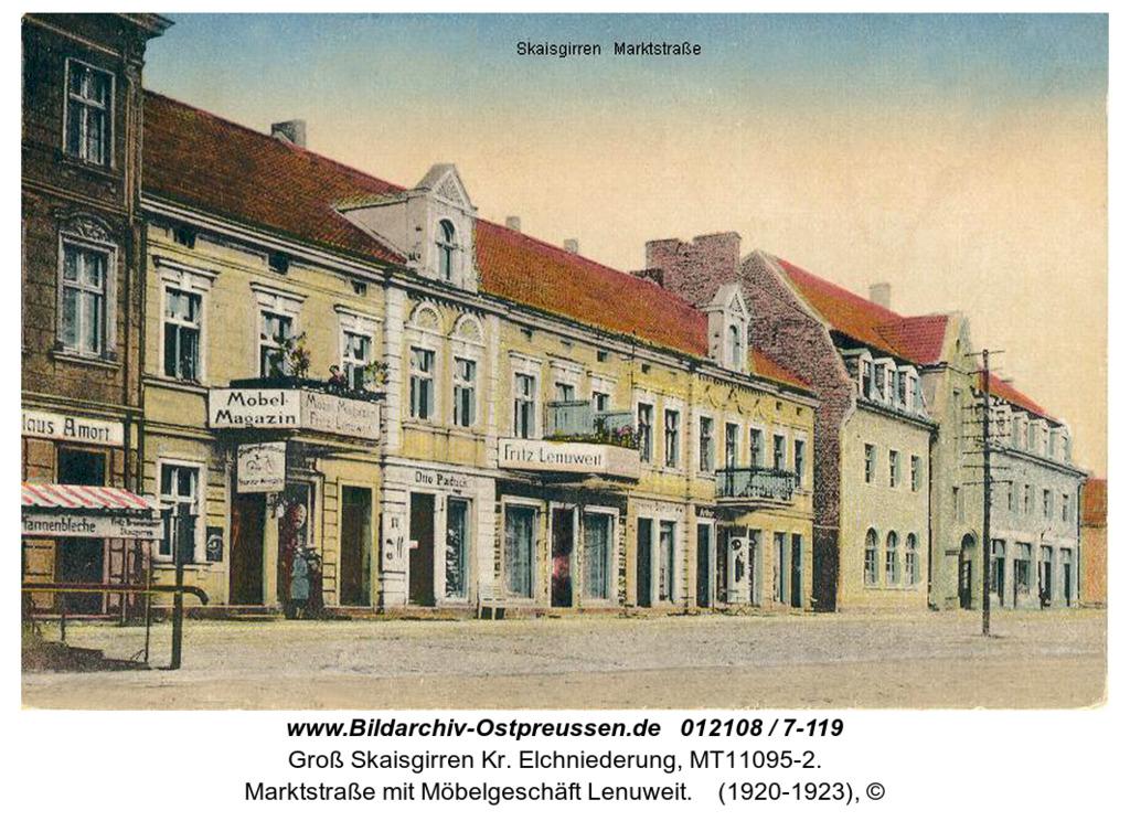 Kreuzingen, Marktstraße mit Möbelgeschäft Lenuweit