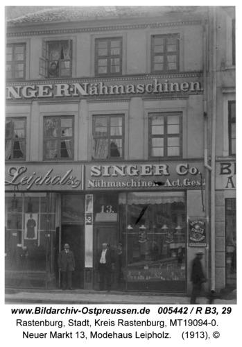Rastenburg, Neuer Markt 13, Modehaus Leipholz