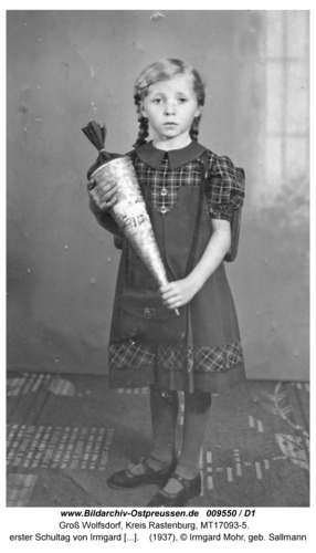 Groß Wolfsdorf, Schule, erster Schultag von Irmgard Sallmann