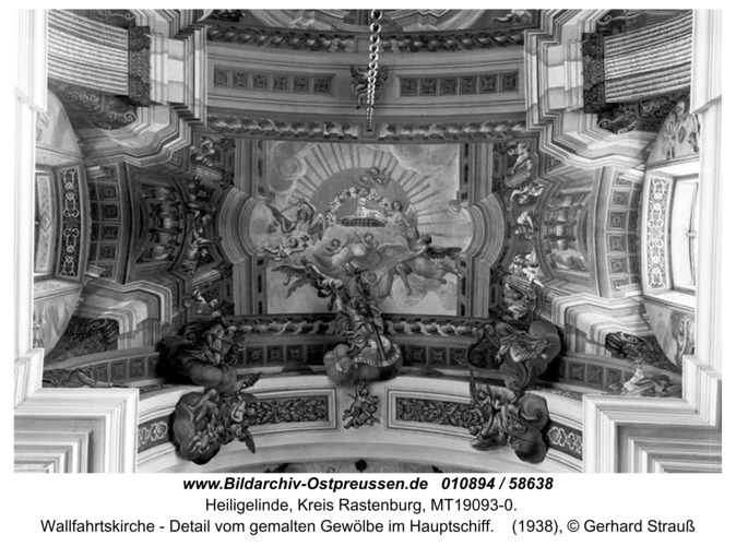 Heiligelinde, Wallfahrtskirche - Detail vom gemalten Gewölbe im Hauptschiff