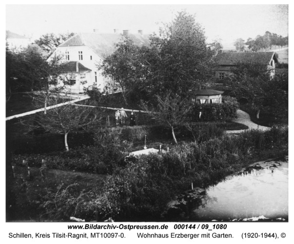 Schillen, Wohnhaus Erzberger mit Garten
