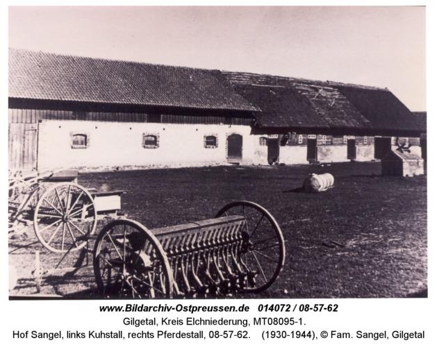Gilgetal 62, Hof Sangel, links Kuhstall, rechts Pferdestall, 08-57-62