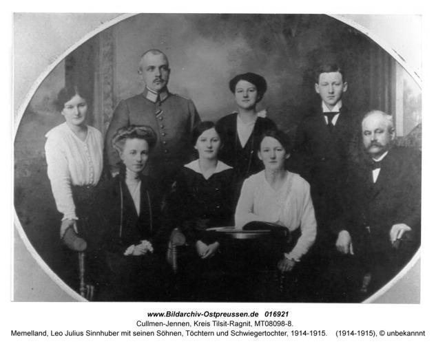 Cullmen-Jennen, Memelland, Leo Julius Sinnhuber mit seinen Söhnen, Töchtern und Schwiegertochter, 1914-1915