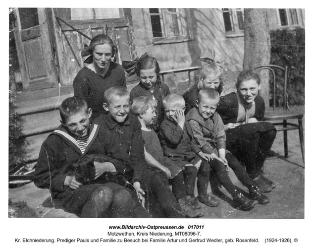 Motzwethen, Kr. Elchniederung. Prediger Pauls und Familie zu Besuch bei Familie Artur und Gertrud Wedler, geb. Rosenfeld