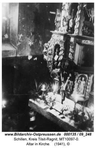 Schillen, Altar in Kirche