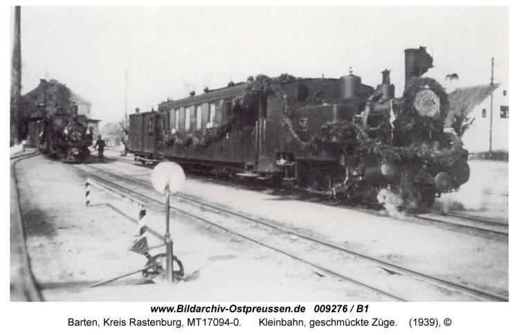 Barten, Kleinbahn, geschmückte Züge