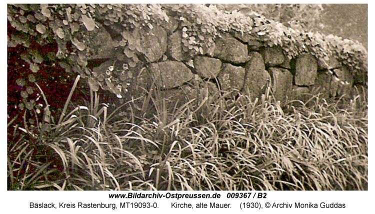 Bäslack, Kirche, alte Mauer