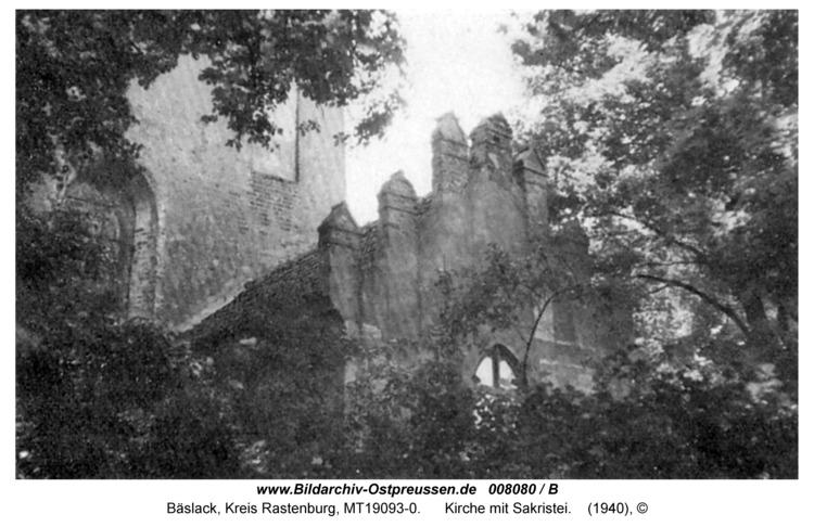 Bäslack, Kirche mit Sakristei