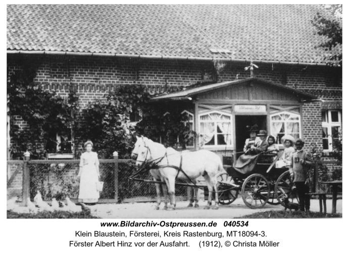 Klein Blaustein, Förster Albert Hinz vor der Ausfahrt
