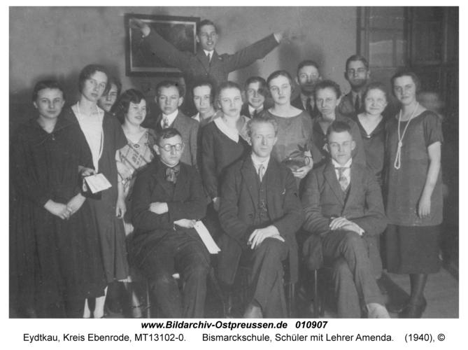Eydtkau, Bismarckschule, Schüler mit Lehrer Amenda