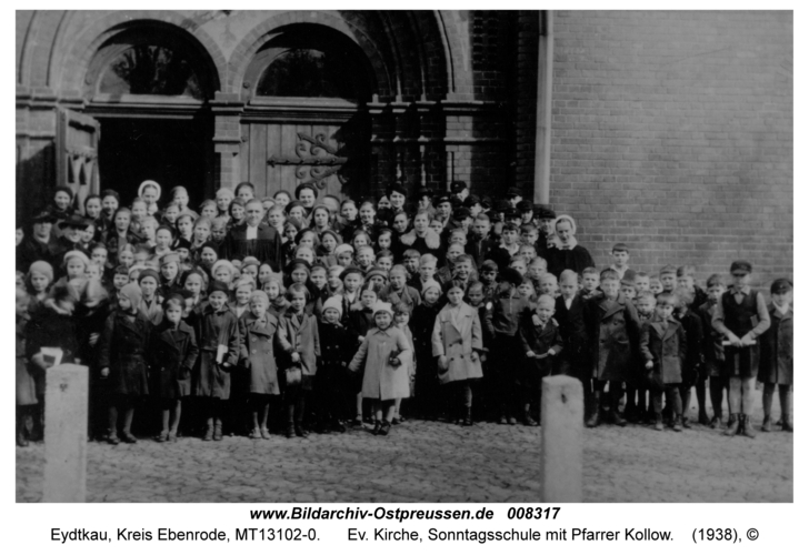 Eydtkau, Ev. Kirche, Sonntagsschule mit Pfarrer Kollow