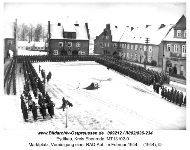 Eydtkau, Marktplatz, Vereidigung einer RAD-Abt. im Februar 1944