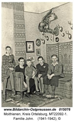 Moithienen, Familie John