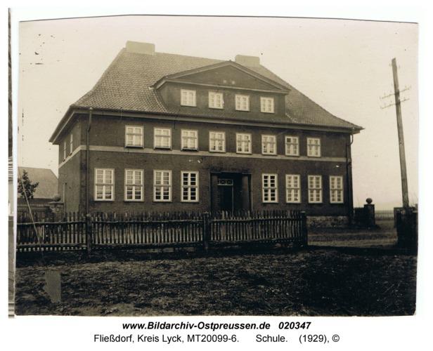 Fließdorf, Schule