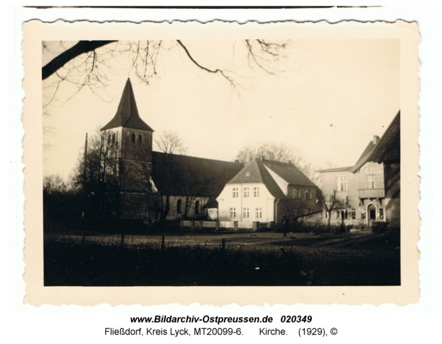 Fließdorf, Kirche