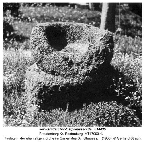 Freudenberg, Taufstein  der ehemaligen Kirche im Garten des Schulhauses