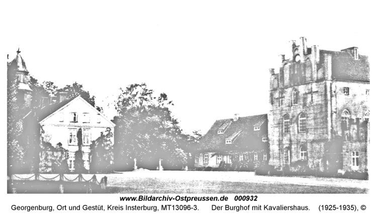 Georgenburg, Der Burghof mit Kavaliershaus