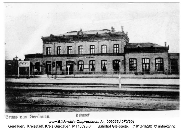 Gerdauen, Ansichtskarte Bahnhof Gleisseite
