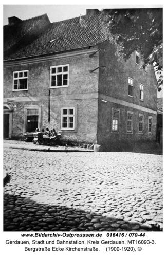 Gerdauen, Bergstraße Ecke Kirchenstraße