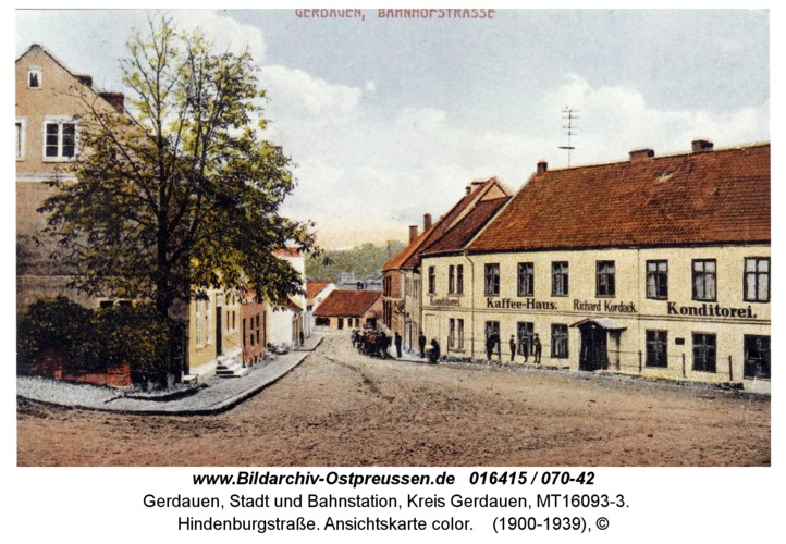 Gerdauen, Hindenburgstraße. Ansichtskarte color