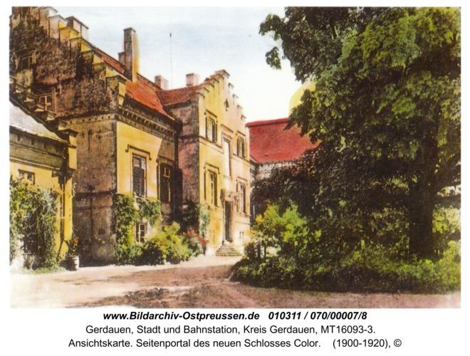 Gerdauen, Ansichtskarte. Seitenportal des neuen Schlosses Color