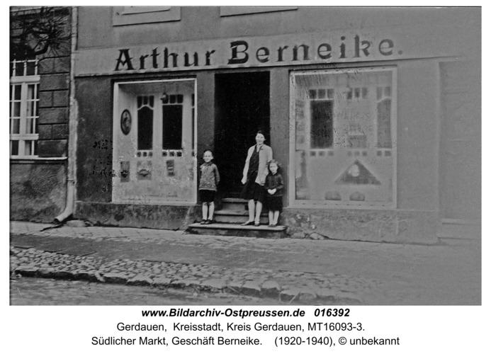 Gerdauen, südlicher Markt, Geschäft Berneike