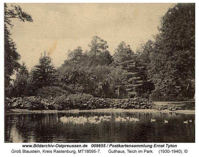 Groß Blaustein, Guthaus, Teich im Park