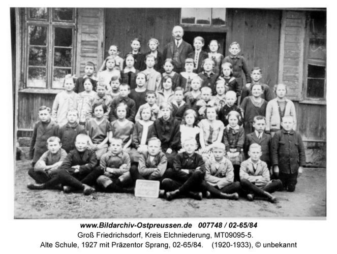 Groß Friedrichsdorf, Alte Schule, 1927 mit Präzentor Sprang, 02-65/84