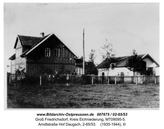 Groß Friedrichsdorf, Arndtstraße Hof Daugsch, 2-65/53