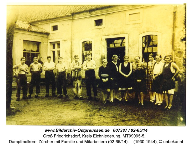 Groß Friedrichsdorf, Dampfmolkerei Zürcher mit Familie und Mitarbeitern (02-65/14)