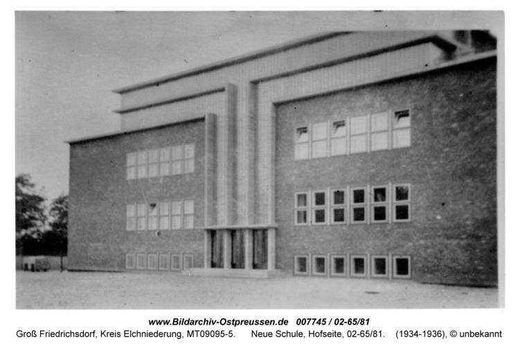Groß Friedrichsdorf, Neue Schule, Hofseite, 02-65/81