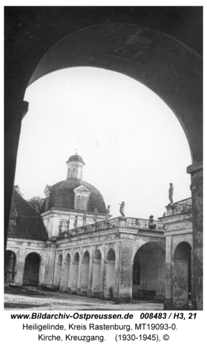 Heiligelinde, Kirche, Innenhof und Kreuzgang