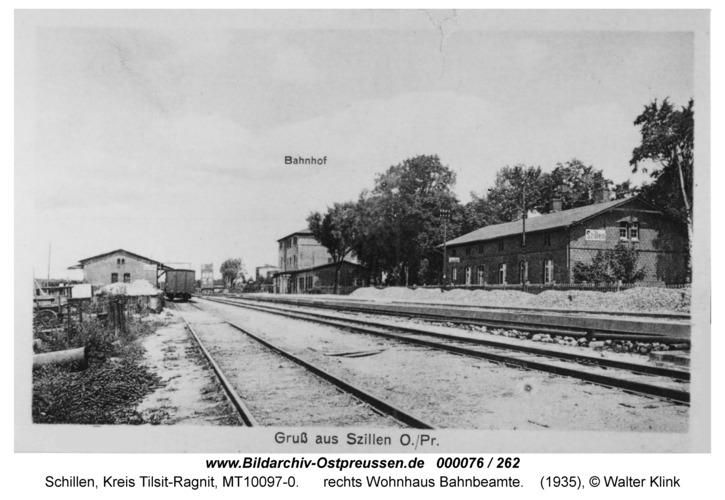 Schillen, Bahnhof Güteranlage vor 1938, rechts Wohnhaus Bahnbeamte