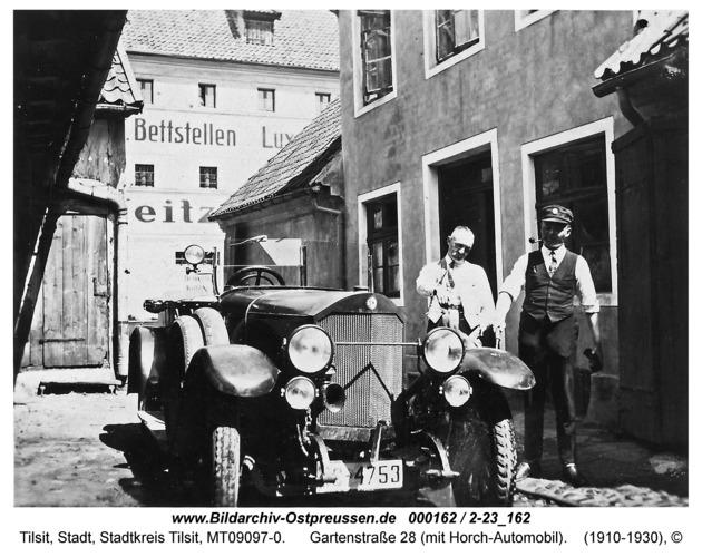 Tilsit, Gartenstraße 28 (mit Horch-Automobil)