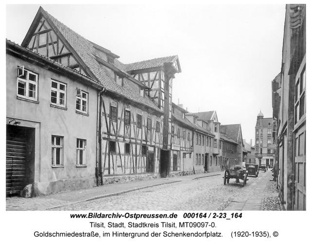 Tilsit, Goldschmiedestraße, im Hintergrund der Schenkendorfplatz