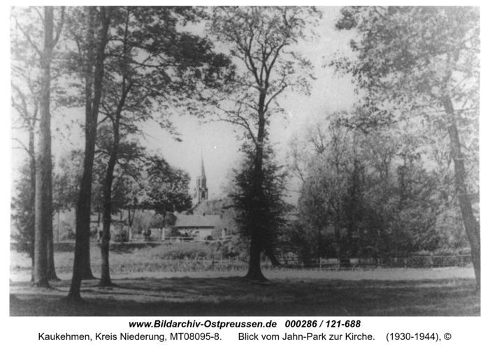 Kuckerneese, Blick vom Jahn-Park zur Kirche