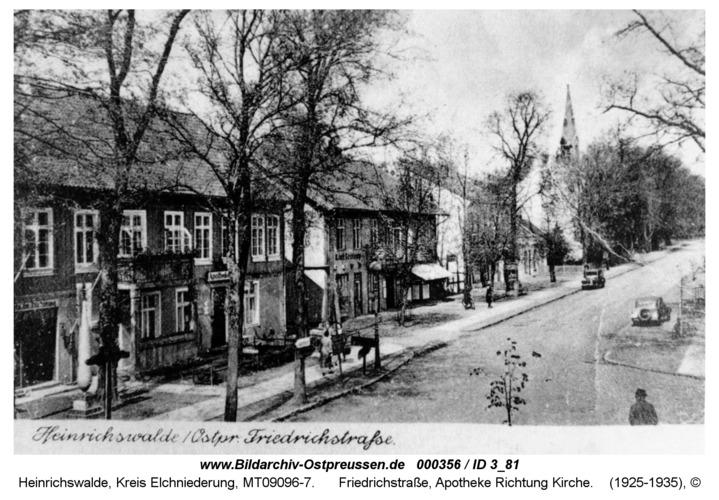 Heinrichswalde, Friedrichstraße, Apotheke Richtung Kirche