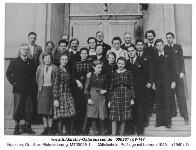 Neukirch, Mittelschule, Prüflinge mit Lehrern 1940